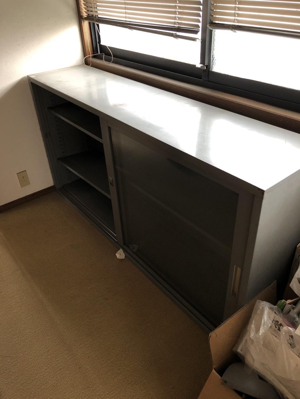 【大津市陽明町】食器棚、学習机などの回収 お客様の声