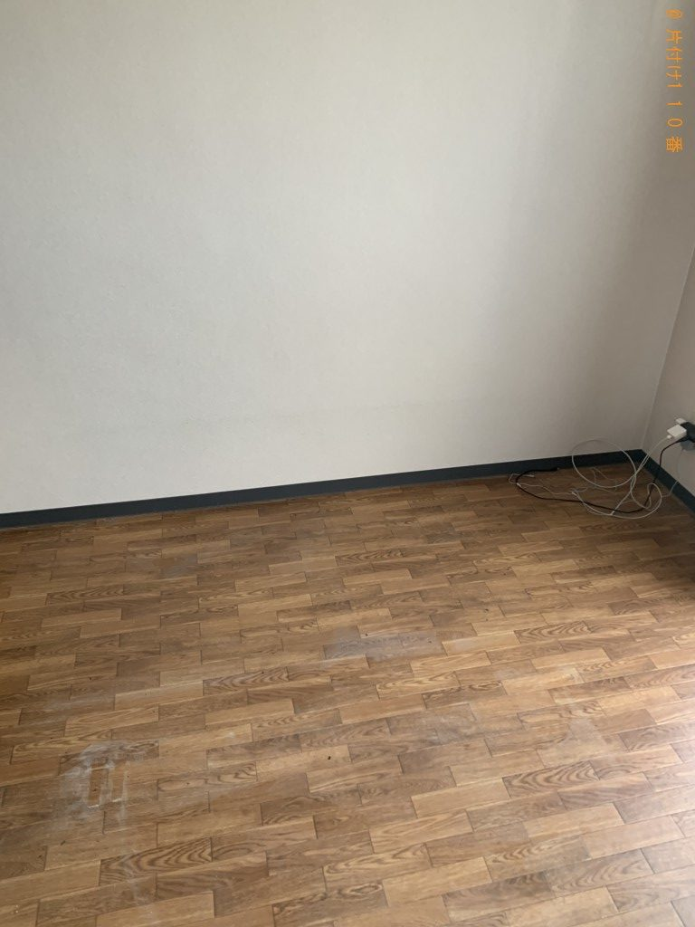 【草津市】ローテーブル、ソファー、衣装ケース、学習机等の回収