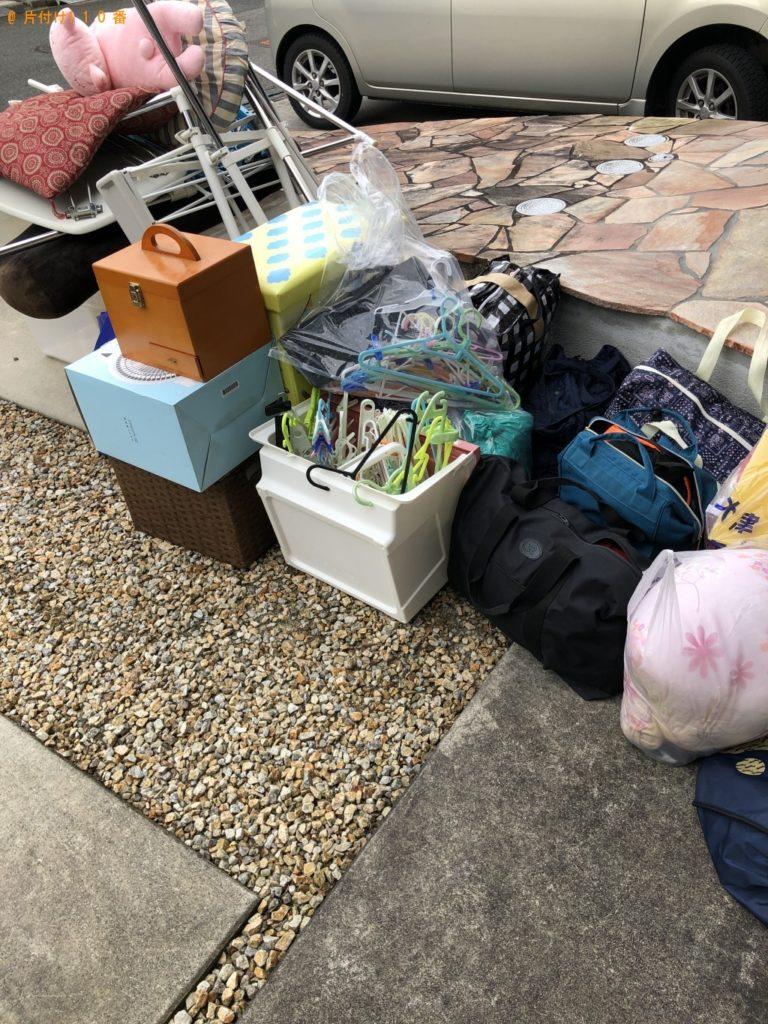 【文京区】物干し台、バッグ、ハンガー、座布団等の回収・処分ご依頼