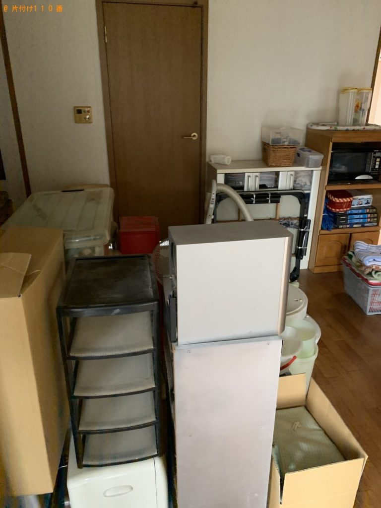 【千代田区】こたつ、食器棚、シングルベッド、マットレス等の回収