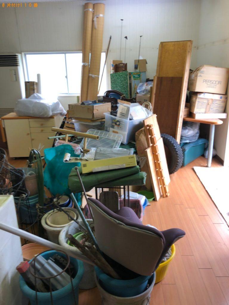 【長久手市】遺品整理で折り畳みテーブル、椅子、バケツ等の回収・処分