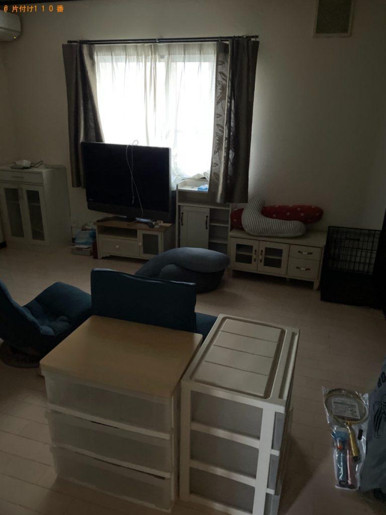 【品川区】三人掛けソファー、椅子、テレビ台等の回収・処分ご依頼