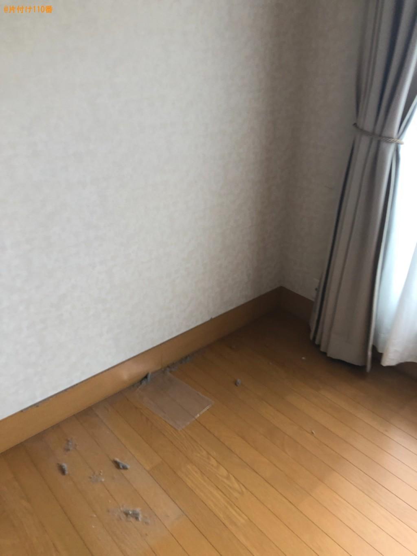 【大津市】ガラステーブル、ソファー、椅子、学習机、ラック等の回収